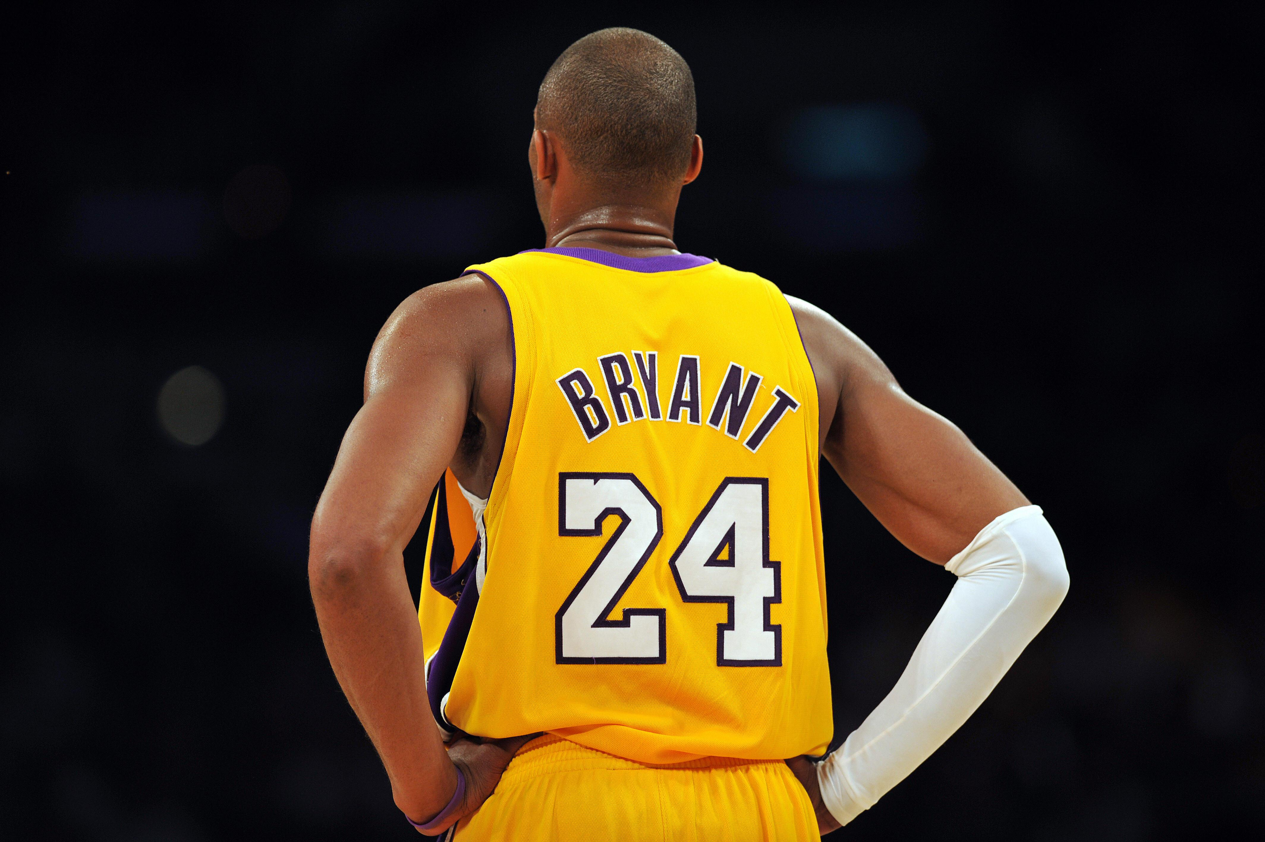 Kobe Bryant of the Los Angeles Lakers st