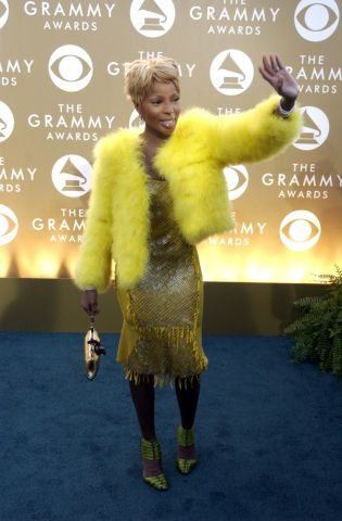 46TH ANNUAL GRAMMY AWARDS –– Singer Mary J. Blige arrives at the 46th Annual Grammy Awards show at t