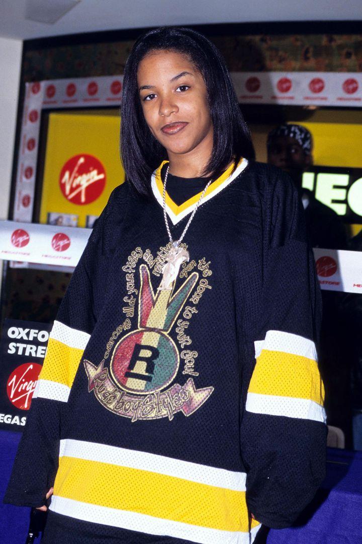 Aaliyah Instore at Virgin Megastore in London – May 1, 1995