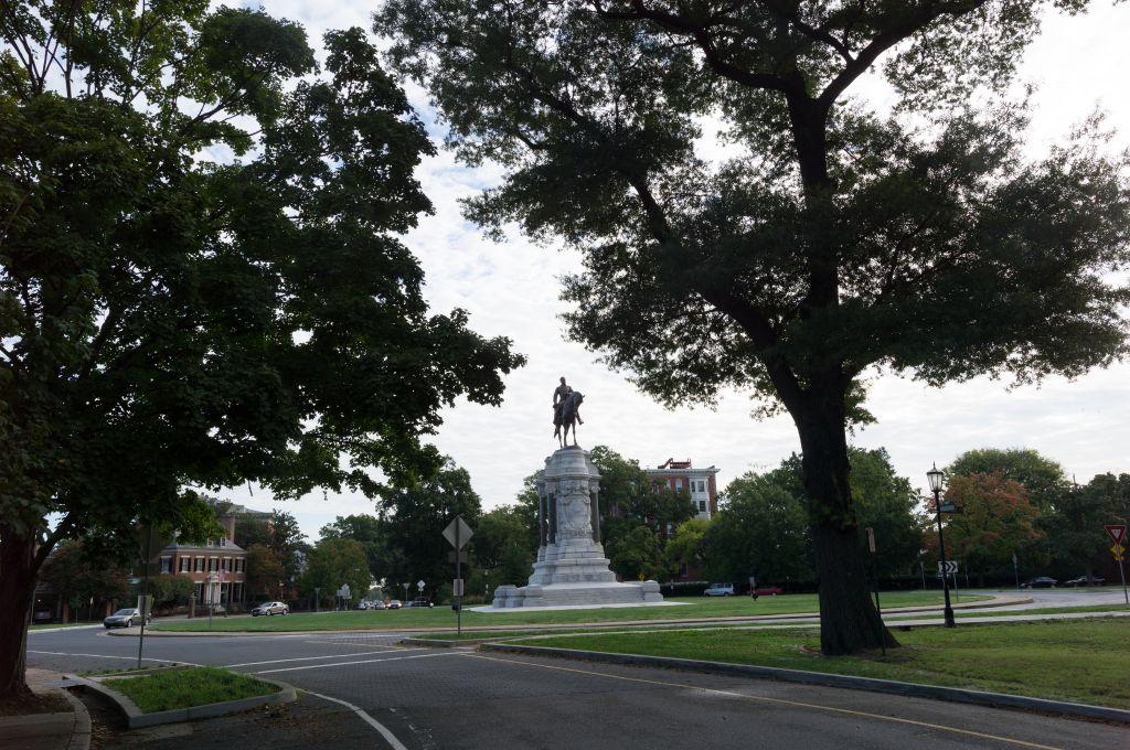 Robert Lee statue in Richmond, Virginia.